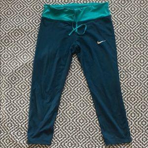 Nike Capri Leggings Size L